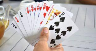 Poker 310x165 - Warum verlagern immer mehr Casinos das eigene Angebot ins Internet?